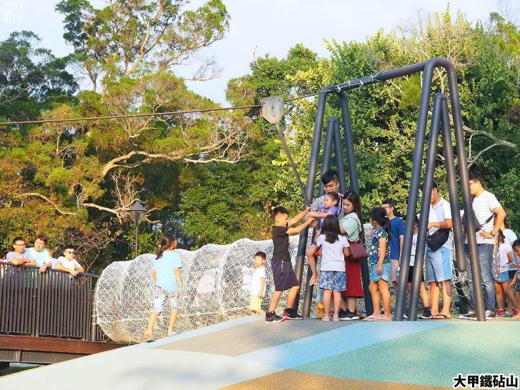 PA040149 01 - 雕塑公園新增溜滑梯、沙坑、爬網等設施,假日時刻家長們溜小孩的好去處~