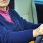 高齢の親に運転を辞めさせたい!代理でも大丈夫?