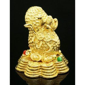 Golden Good Fortune Peanut with Bat and Coins