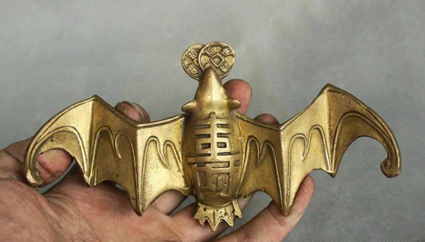 Feng Shui Bat Symbolize in Chinese Culture