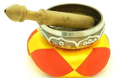 This Tibetan Singing Bowl is constructed of 7 metal alloys with its inner and outer surfaces etched with auspicious Tibetan symbols.