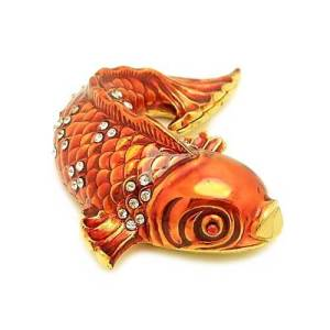 This is a lovely representation of the Carp fish in gold and red with sparkling crystal accents.