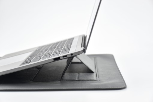【SINEX】全球首款 3 合 1 變形筆電包 適用13/14吋筆電 (收納包+筆電架+鍵盤手托) - DSC 0047 scaled