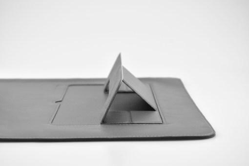 【SINEX】全球首款 3 合 1 變形筆電包 適用13/14吋筆電 (收納包+筆電架+鍵盤手托) - DSC 0069 scaled