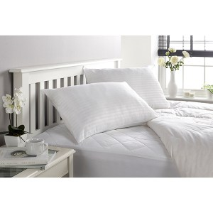 Downland Soft To Touch Satin Stripe Anti Bacterial King 10.5 Tog Duvet & Pillow (Pair)