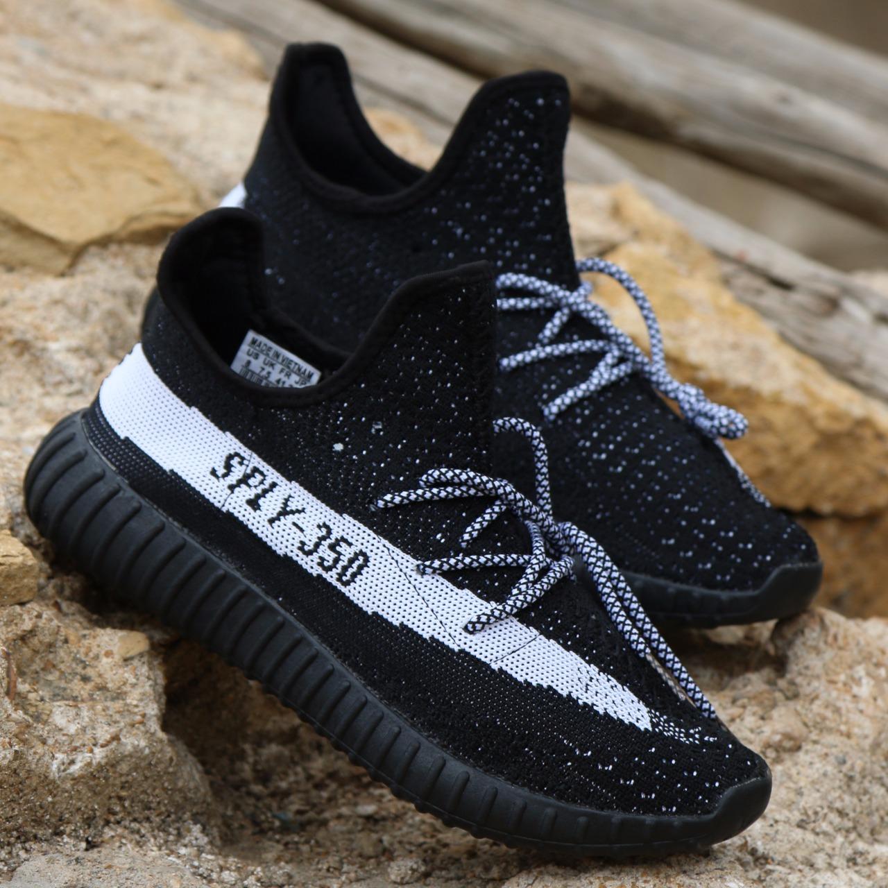sports shoes 4402c dd403 Sply YEEZY BOOST 350 V2 BLACK/WHITE