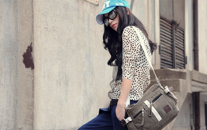 a898e3f311ac Bags are one of the essential commodities of any women or girl. Apart from  giving space to put their things and take them anywhere to elevating their  style ...