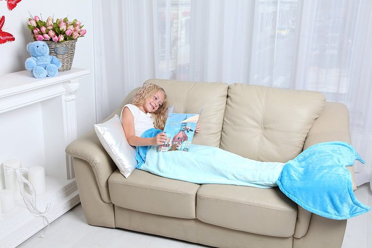 Cuddly Blankets Mermaid Tail Blanket - Super Soft and Warm Polar Fleece Fabric Blanket by Perfect for Kids and Teens