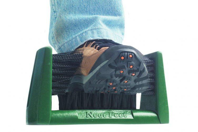 Neat-Feet Shoe Brush / Boot Scraper