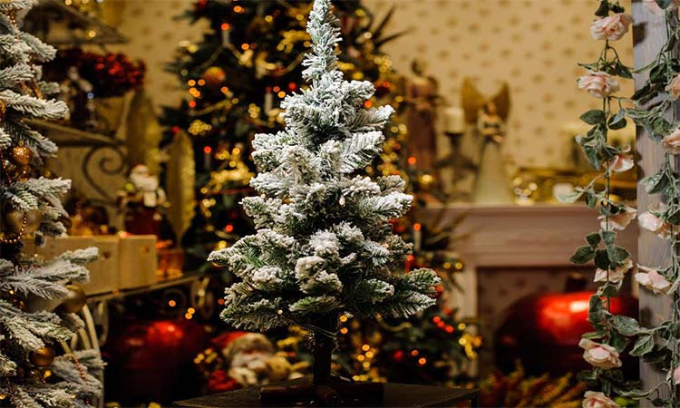 Top 10 Best Artificial Christmas Trees In 2020 Buyinghack