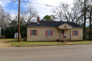 404 Crockett Rd