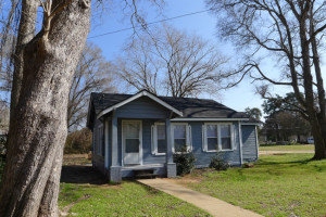 House For Rent: 402 Deckard, Palestine, TX