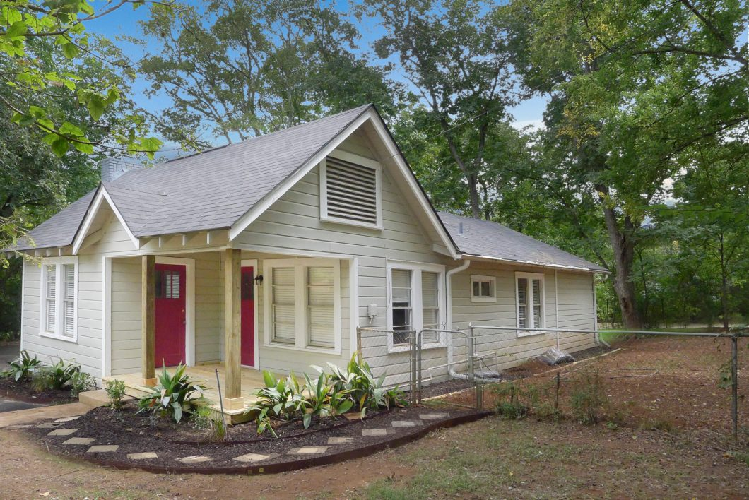 204 E. Huffsmith, Palestine, TX 75801-House for Sale