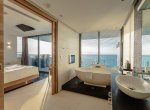 IMG_8182_skyvillathreebed_day_bathroom_oceanview