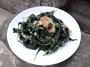 Keto Garlic Stirred Spinach and Fish