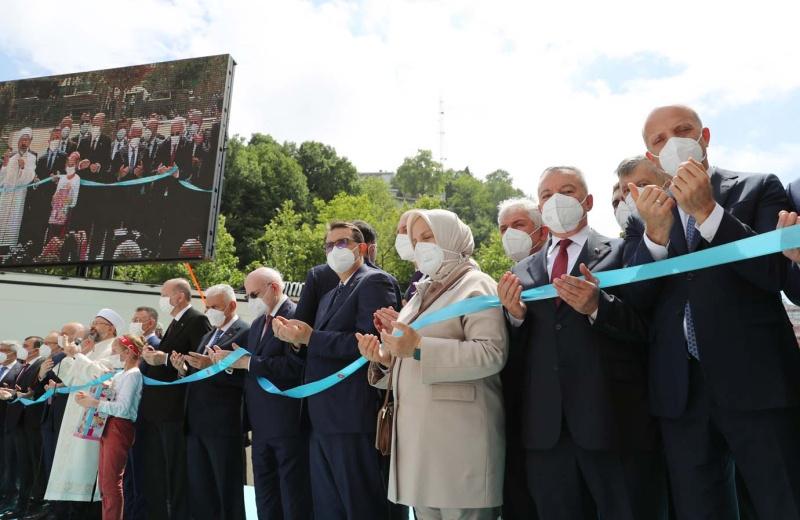 Cumhurbaşkanı Erdoğan, Uzun Mehmet Camisi'nin açılışını gerçekleştirdi