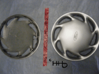 back and front view of hubcap @ c13ford19992_5