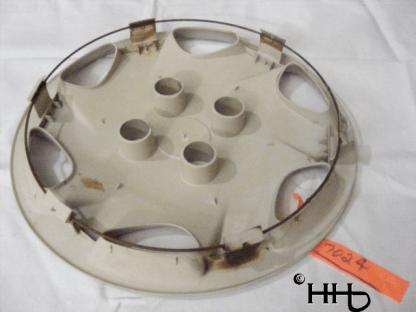 back profile view of hubcap # c14merc1998_4