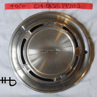 front view of hubcap # c14olds1970_3