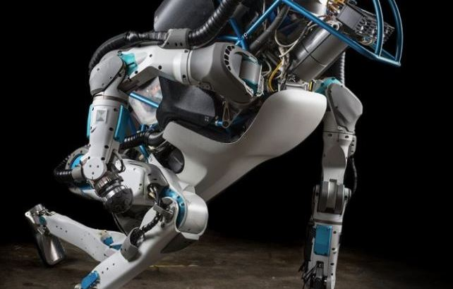"""ボストン・ダイナミクス社のロボットは見ているものに """"アナログハック"""" される感覚を教えてくれる"""