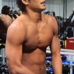 水泳の中村克が腹にフックをぶち込む荒行で肉体改造?!体幹を鍛え後半に伸びる成長を遂げ日本新記録!男子100m自由形でメダル獲りだ!