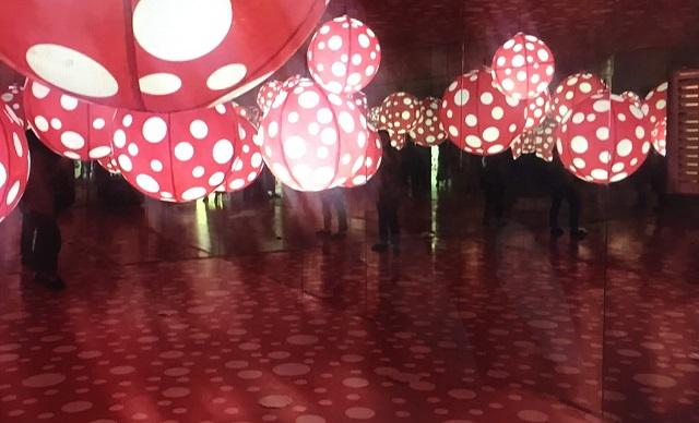 全部贋作!犯人はMO2artか!?草間彌生と村上隆の偽モノ共同作品展が中国で大っぴらに開催!なんとかしてよ世界第2位の経済大国。