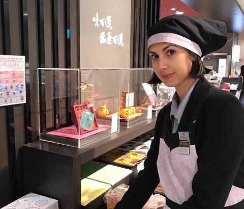 ジュンティーニキアラ(Chiara)さんというイタリア人和菓子バイヤーに会えるのは日本橋高島屋!彼女のこれまでを知るとポジティブな気持ちになれる。