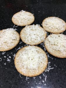 Buzymum - Oat crackers with parmesan ready for the grill