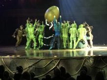 Buzymum - The cast of Cirque de Soliel Ovo with their egg!