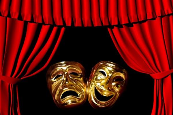 2. Ailesine rağmen tiyatro eğitimi