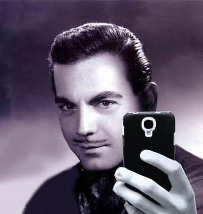 Ayhan Işık Selfie