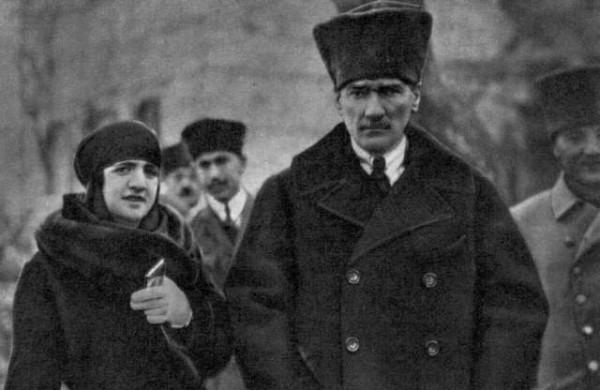 Ataturk-latife-2