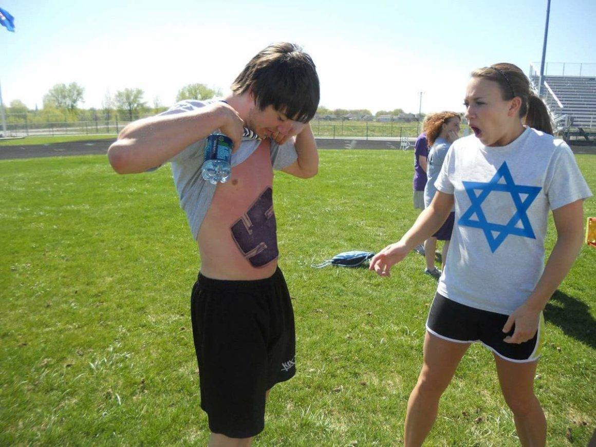 Nazi ve Yahudi Sevgililer Karşı Karşıya