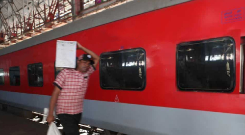 Indian Railways Tie-up with Popular Brands to Delivery Food on Shramik Special Trains