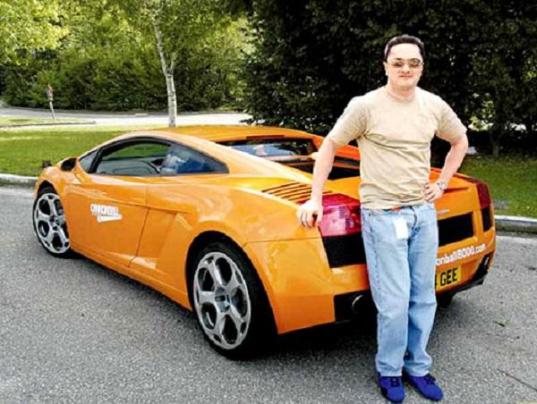 Image Source http://www.celebfamily.com/business/gautam-singhania-family.html