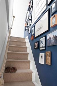 40 Unique Stair Wall Decoration Ideas - Buzz 2018