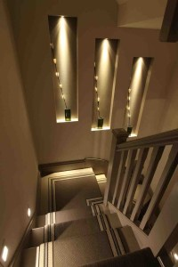 40 Unique Stair Wall Decoration Ideas