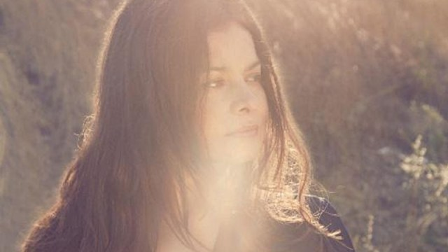 Hope Sandoval (Photo by Luz Gallardo)
