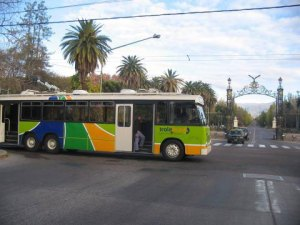 Another trolley in the Mendoza system. Hey, it looks like the German trolley! Photo from Jorge Guevara.