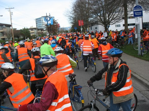 The start of the Dutch bike ride! It was a bit slow going in the start, but worked out well once we all spread out :)