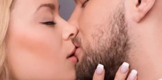 Making out with a girl and making her love it