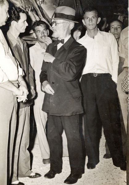 Van Cosal Carl Tanzler tlaking to Earl Adams and, Bennie Sawyers on the left in 1940. Photo Gift Clarke Means. ""
