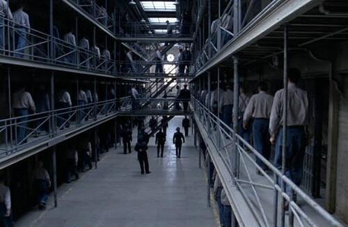 刑務所 (2)