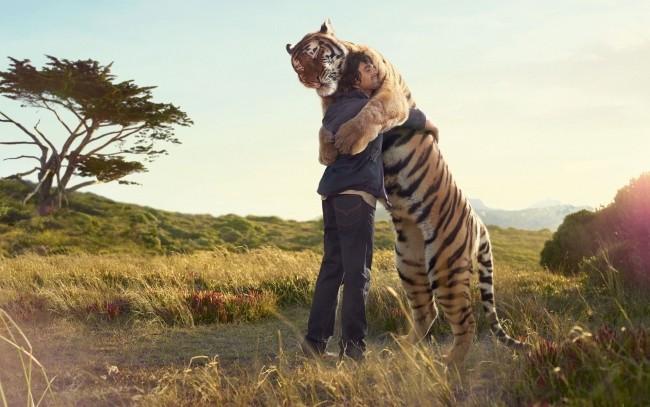 hug (2)