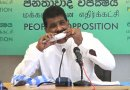 Srilankan minister eats raw fish
