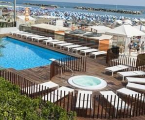 La Riviera Romagnola, tra spiagge e parchi di divertimento