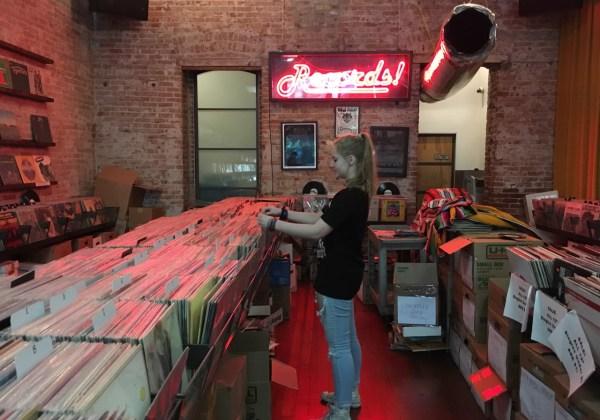 vinyl-cd-music-distribution