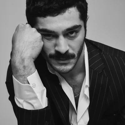 Burak-Deniz-Hot-Turkish-Actor-Turkish-men-photos-hairstyle-in-blazer