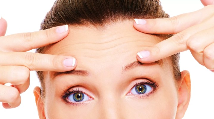Remove forehead wrinkles easily with home remedies