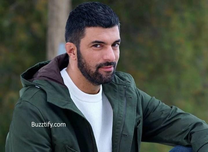 Engin Akyurek in jacker sexy turkish actor